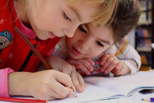 time to become a kindergarten teacher a - How Much Do Kindergarten Teachers Make